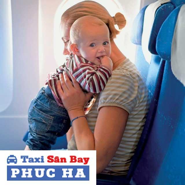 Quy định trẻ em đi máy bay dưới 2 tuổi