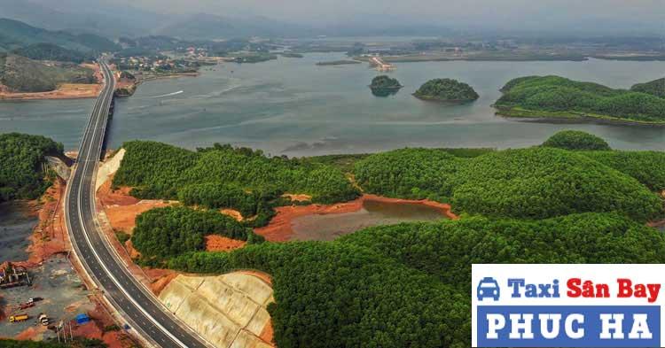 Quảng Ninh cách sân bay Nội Bài khoảng 180km