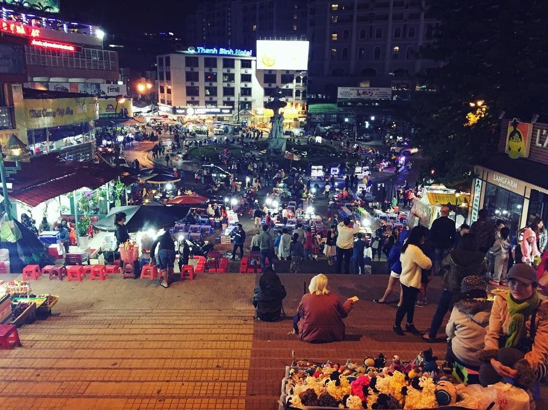 Dạo chợ đêm Đà Lạt