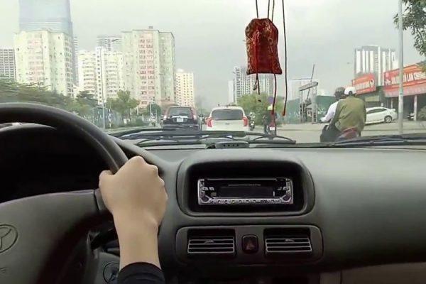 Tự lái xe